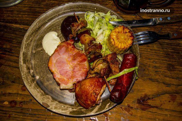 Ужин в средневековом ресторане Детенице