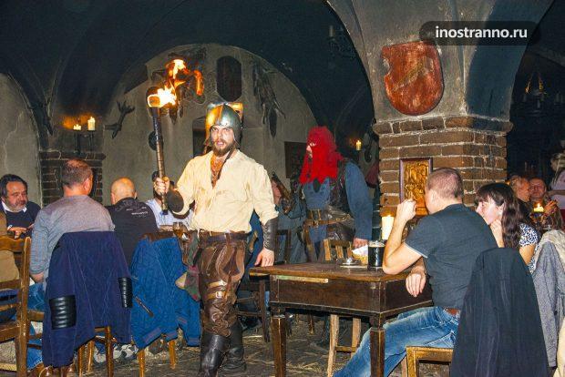 Средневековое шоу в ресторане рядом с Прагой
