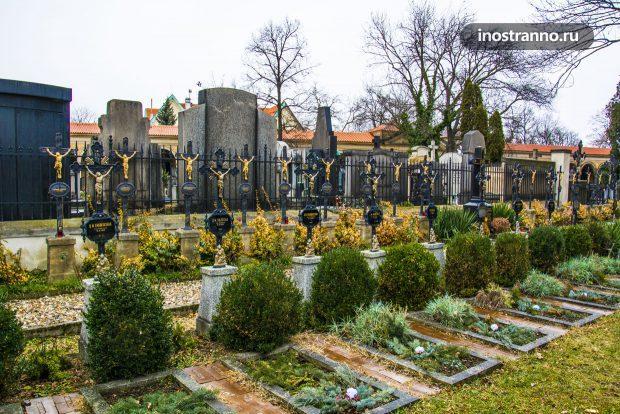 Вышеградское кладбище в Праге