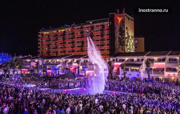 Ushuaia Ibiza Beach Party Пляжный клуб на Ибице