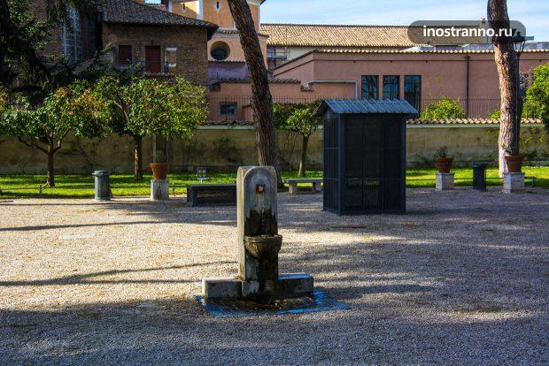 Питьевой фонтан в Риме