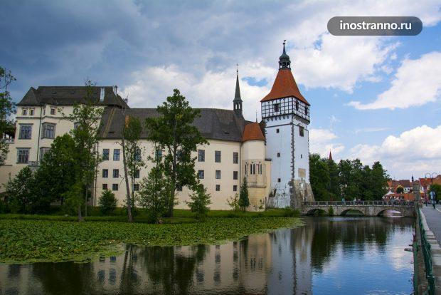 Замок Блатна в Чехии