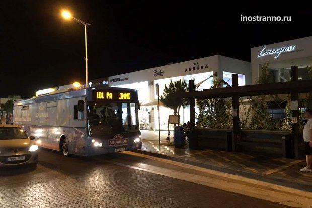 Автобус в Ларнаке на Кипре