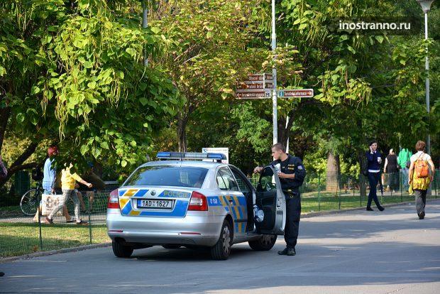 Полицейский автомобиль в Чехии