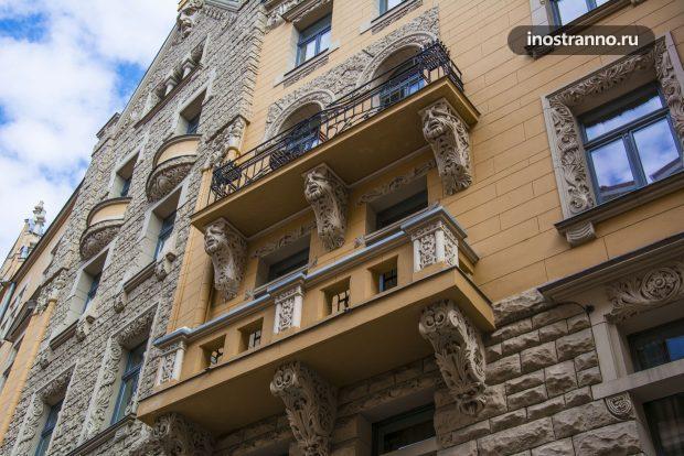 Интересное оформление балкона в Риге