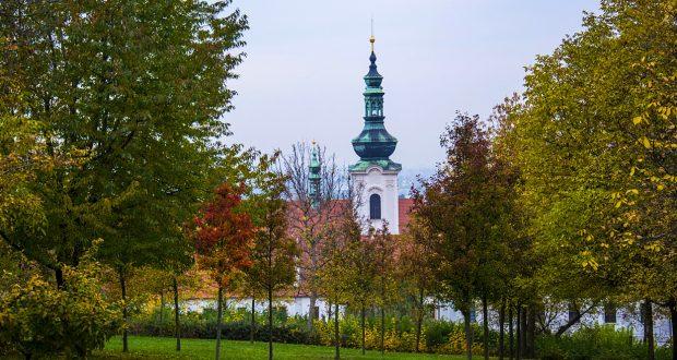 Куда поехать отдыхать осенью — самые популярные направления