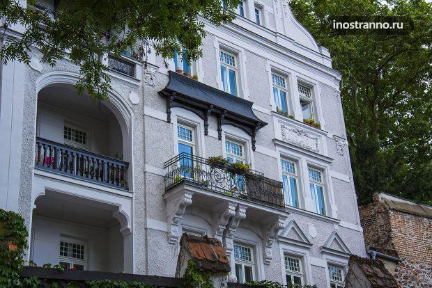 Красивый европейский балкон в Чехии