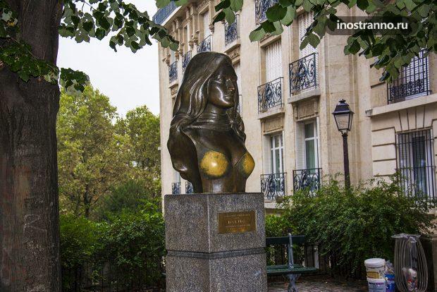 Бюст Далида в Париже