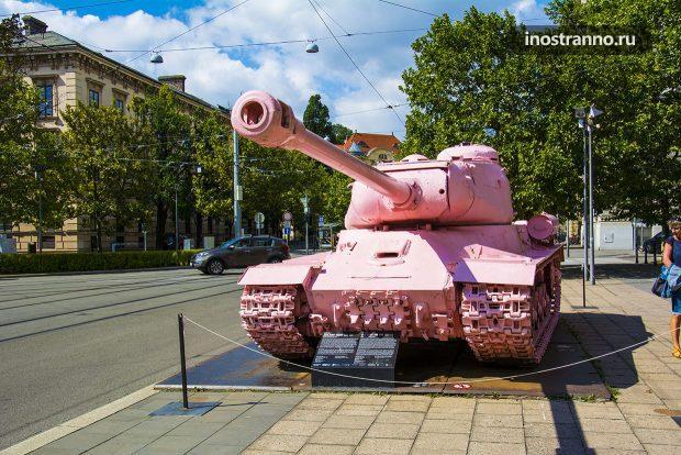 Розовый Танк в Чехии