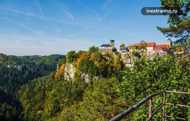 Замок Хонштайн в Германии недалеко от Дрездена