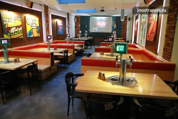 The Pub ресторан с пивным краном в Праге