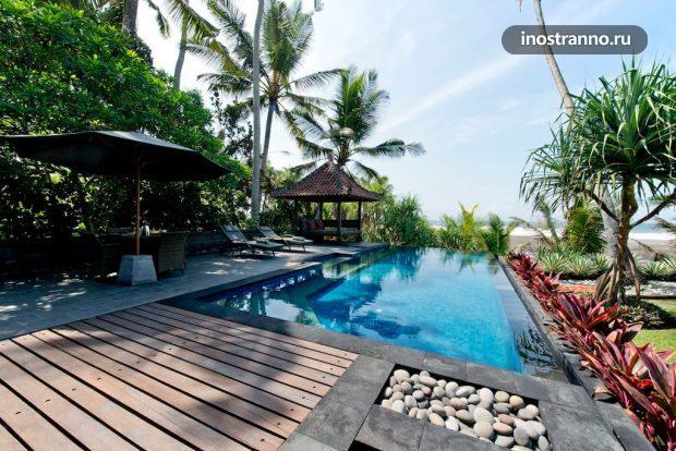 Аренда дома с бассейном на берегу моря на Бали