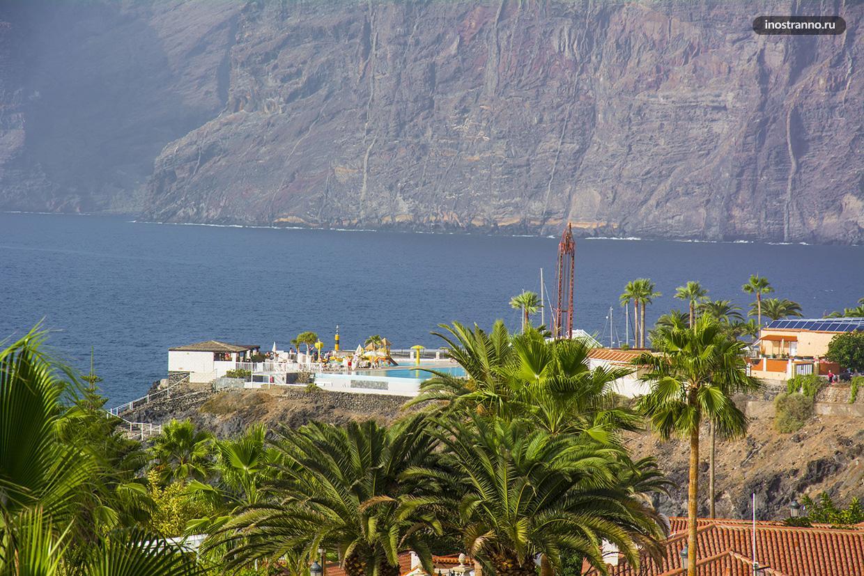 Скалы Лос Гигантес на Тенерифе в Испании