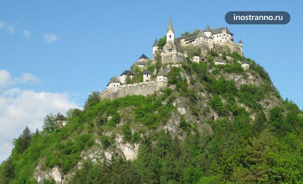 Замок Хохостервиц в Австрии