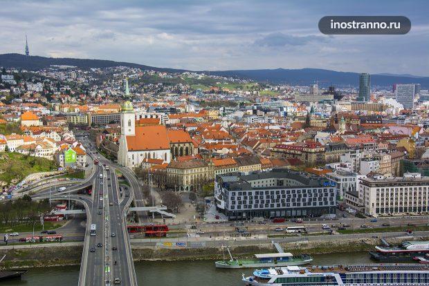 Вид на Братиславу с башни UFO