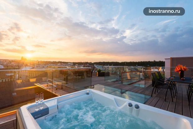 Квартира с джакузи на крыше в Праге
