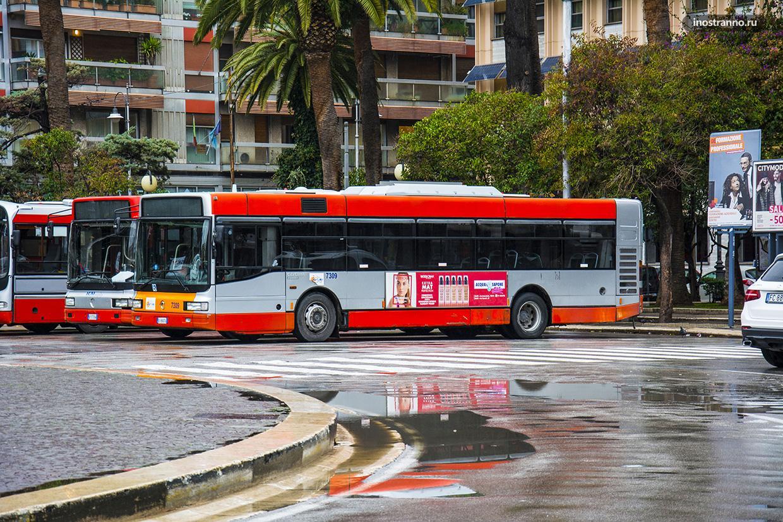 Городской автобус в Бари