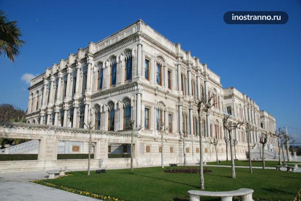 Дворец Чираган в Стамбуле красивое место