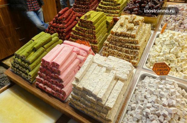 Египетский рынок специй в Стамбуле