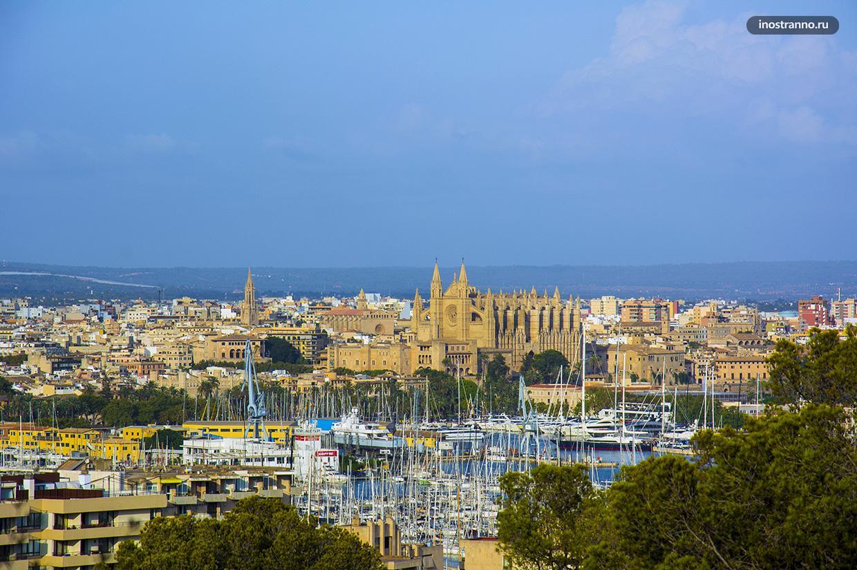 Панорама города Пальма де Майорка