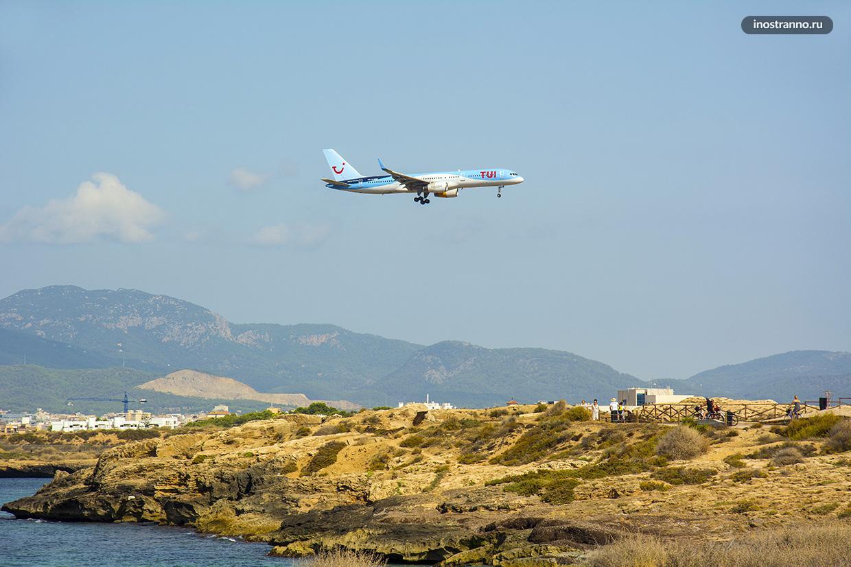 Фото самолета в аэропорту Пальма-де-Майорка