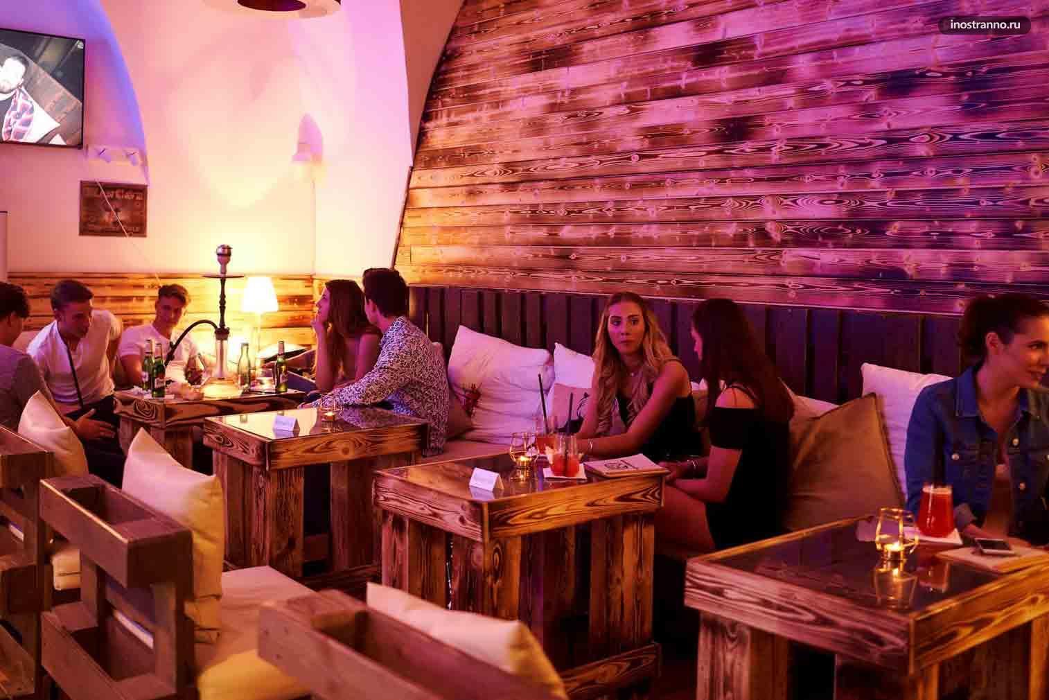 WoodHouse Lounge Кальянная в центре Праги