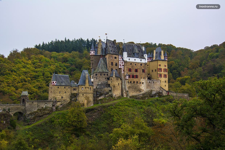 Вид на замок Эльц