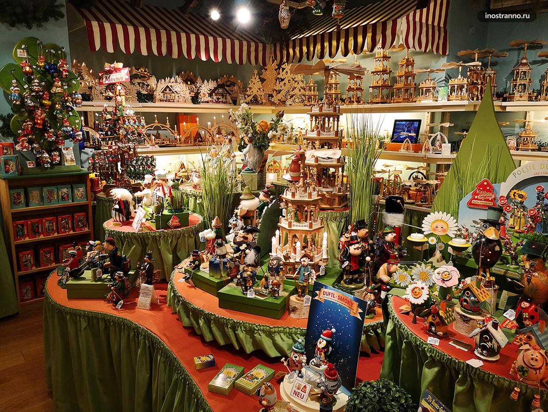 Кэте Вольфарт крупнейший новогодний магазин