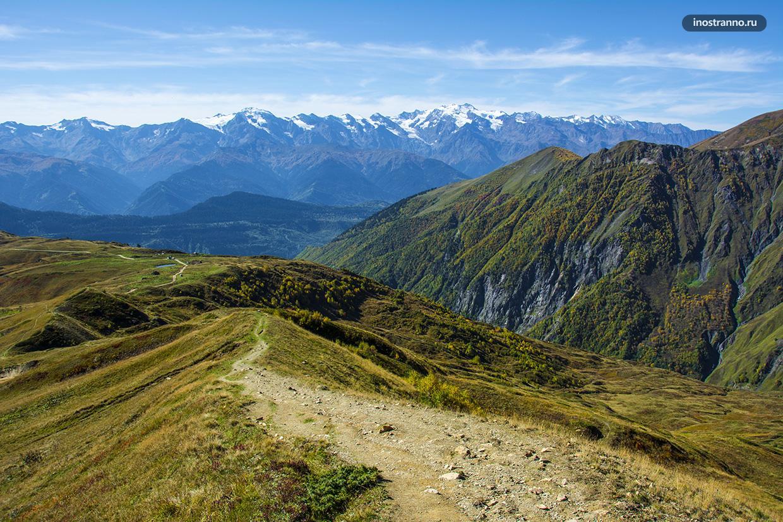 Панорама Кавказских гор