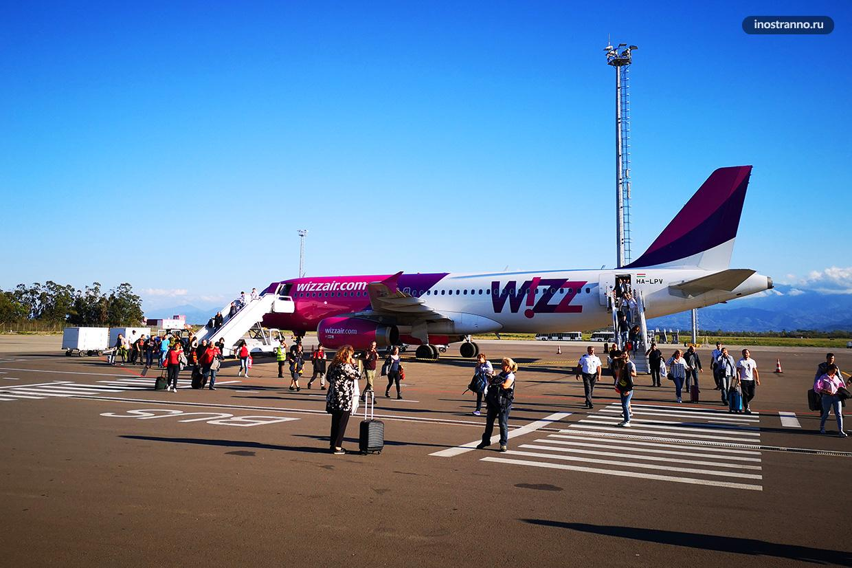 Самолет Wizz Air в Грузии