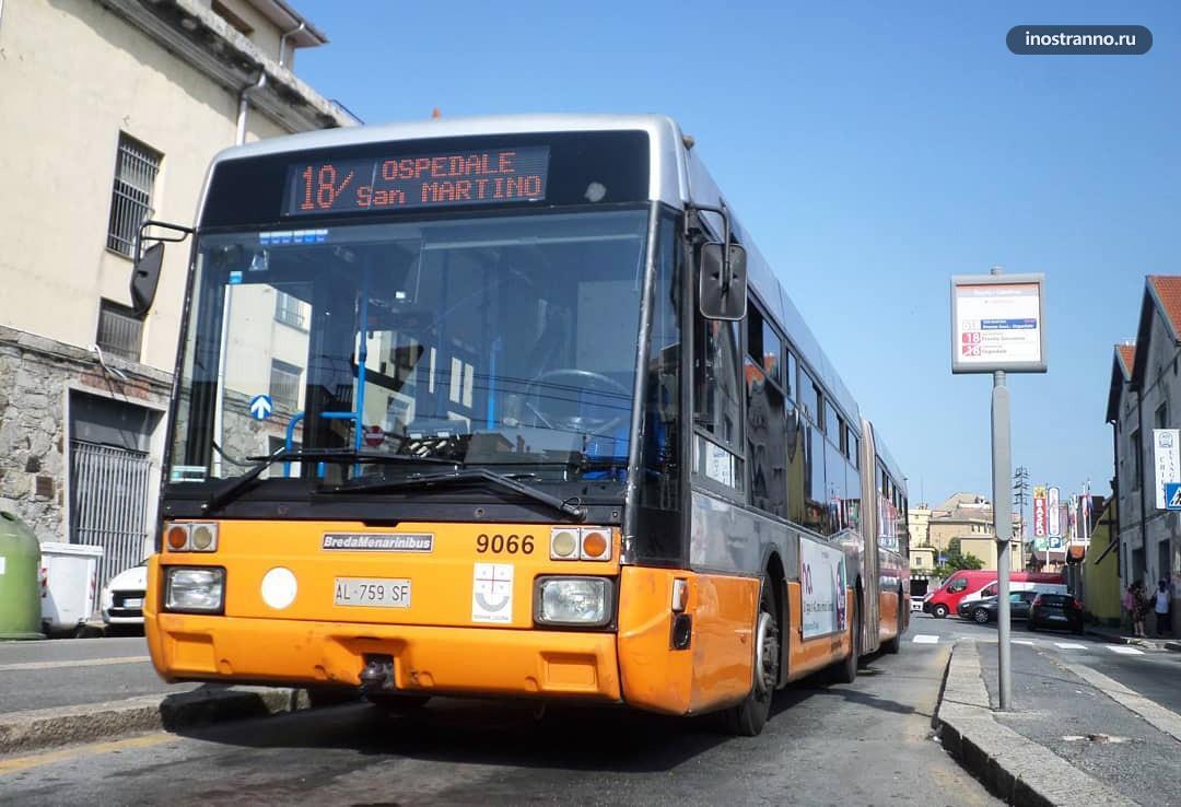 Городской автобус в Генуе