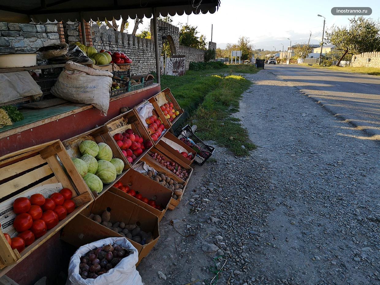 Придорожная торговля в Грузии