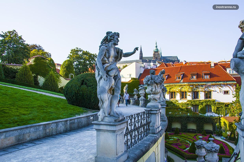 Барочные скульптуры в Праге