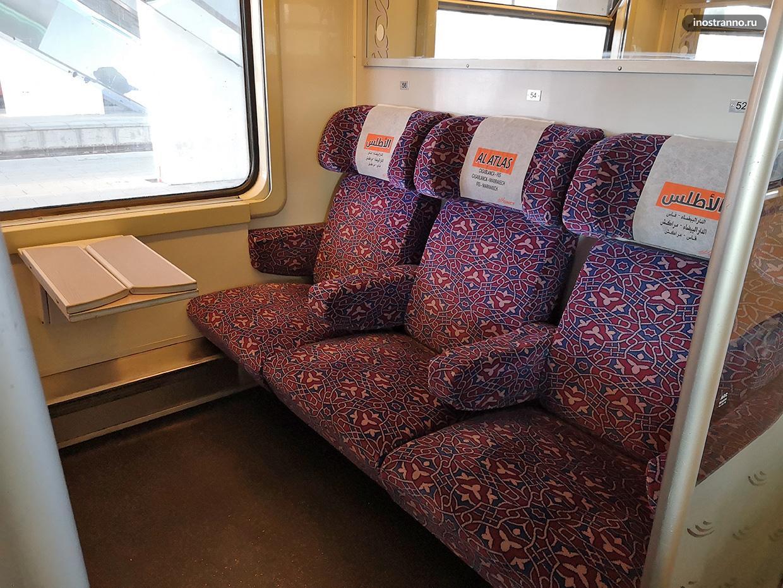 Вагон поезда в Марокко сиденья, купе