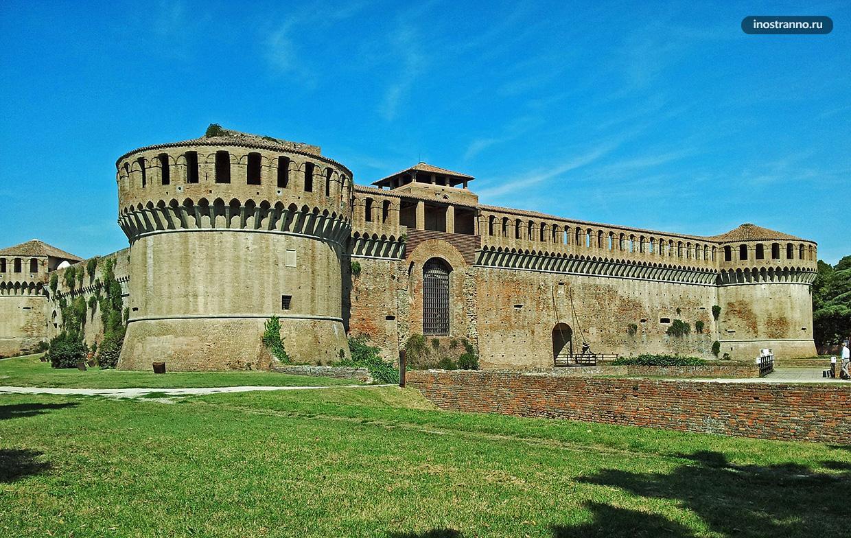 Замок недалеко от Болоньи