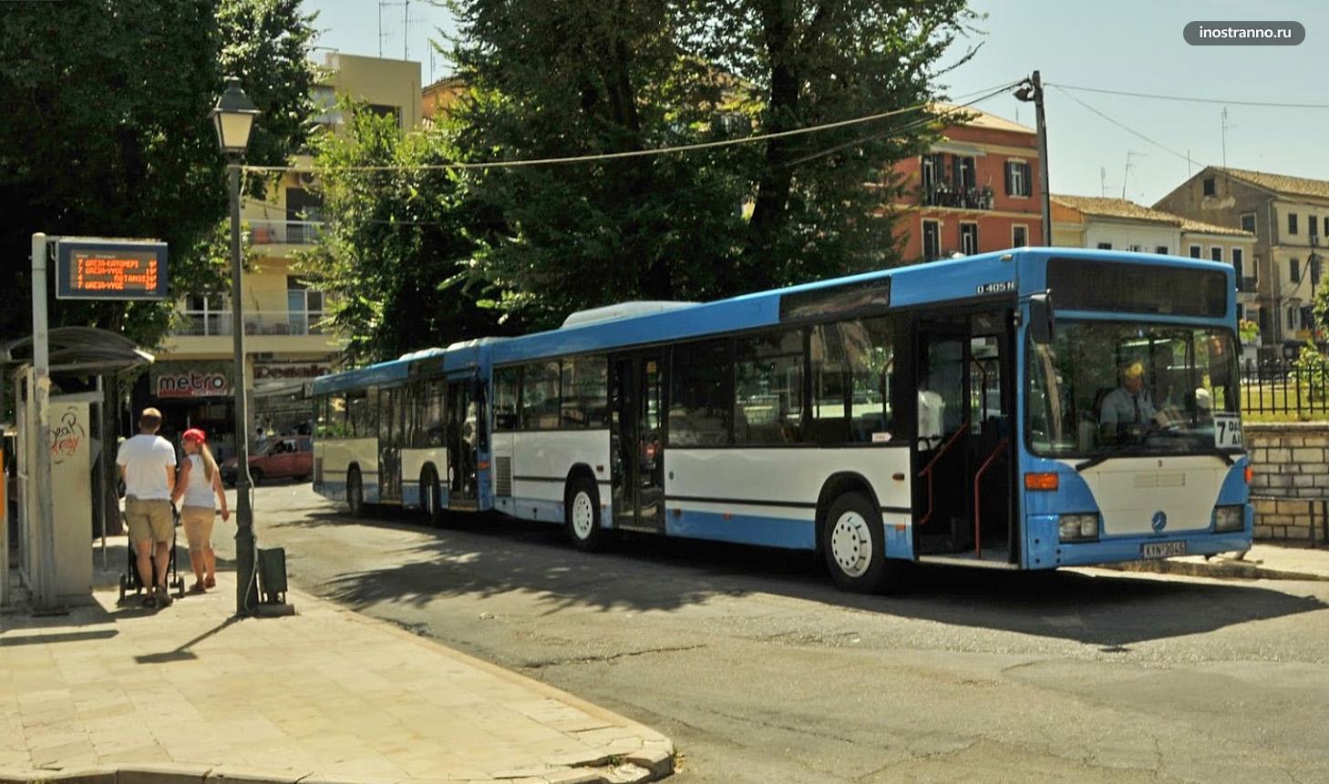 Городской автобус на Корфу