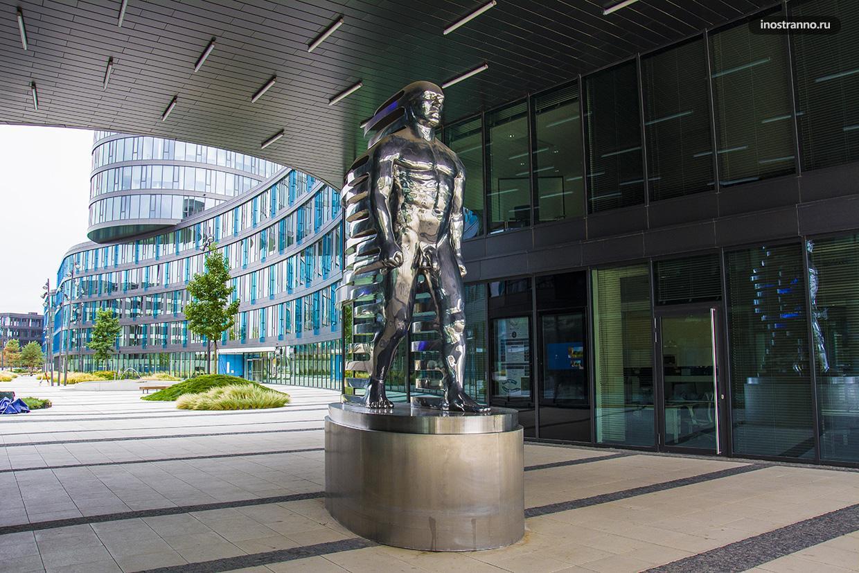 Фигура Speederman чешского скульптора Давида Черного