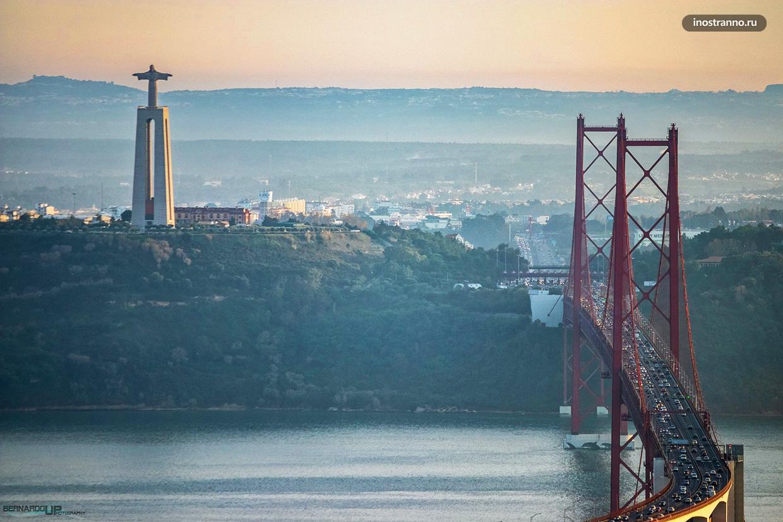 Мост 25 Апреля в Лиссабоне