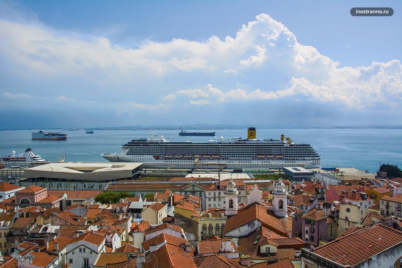 Круизный лайнер в Лиссабоне