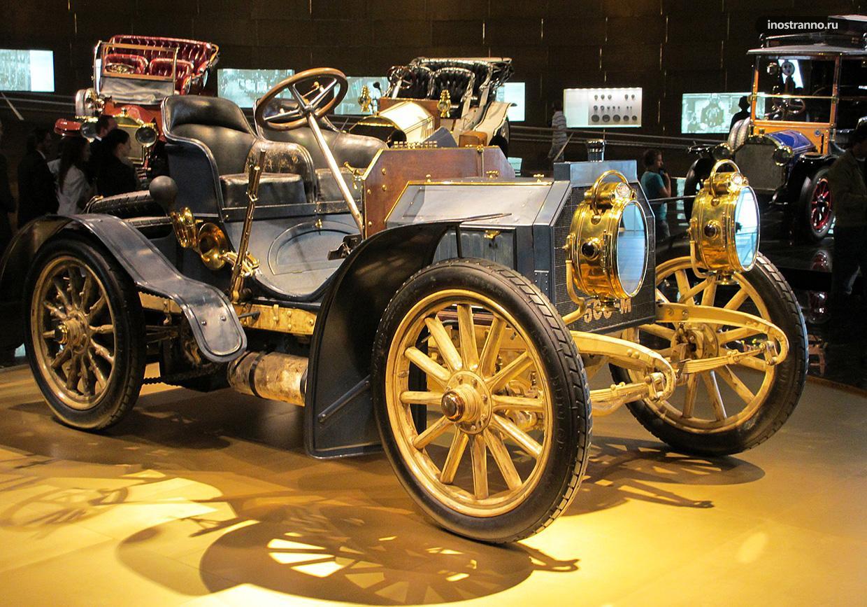 Мерседес музей в Штутгарте лучший музей Германии