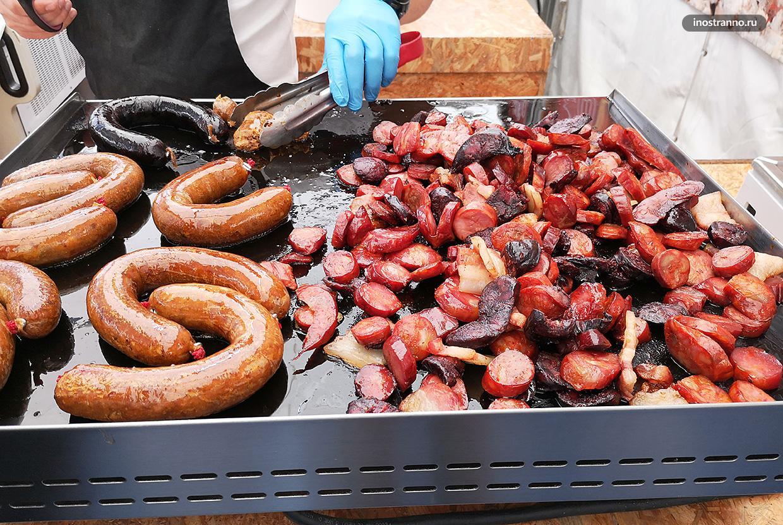 Португальские сосиски на гриле