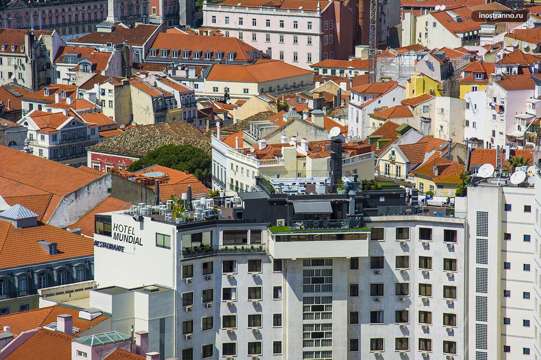 Видов бар в Лиссабоне с террасой