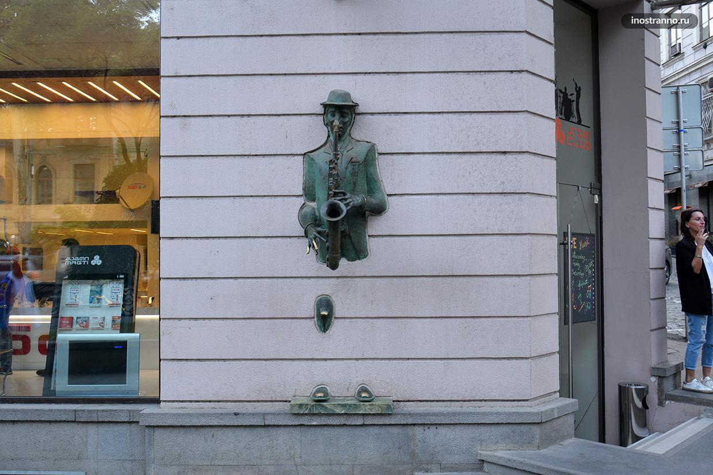 Необычные скульптуры в Тбилиси