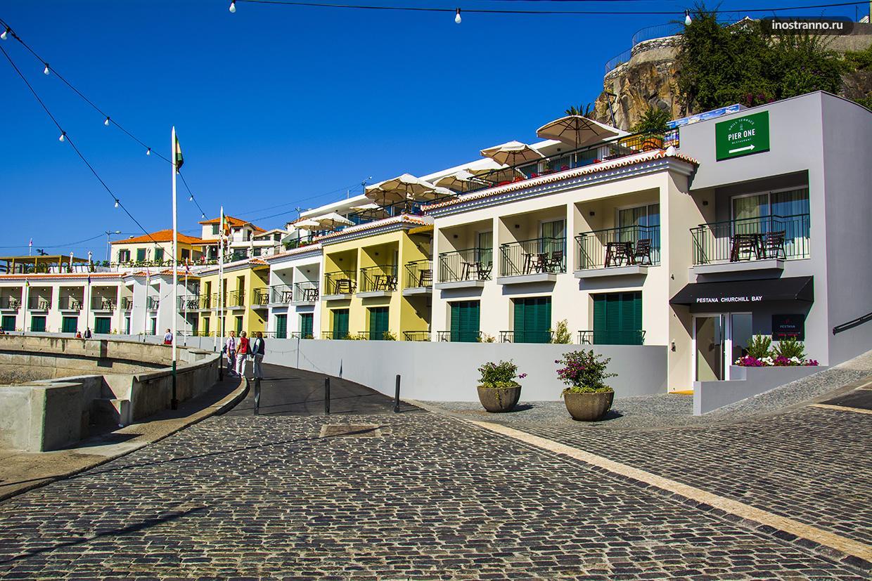 Городская набережная в Португалии