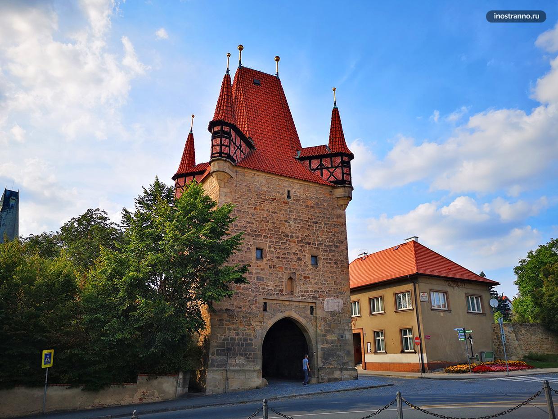 Пражские ворота в Раковнике