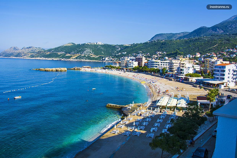 Пляж в Добра-Вода в Черногории