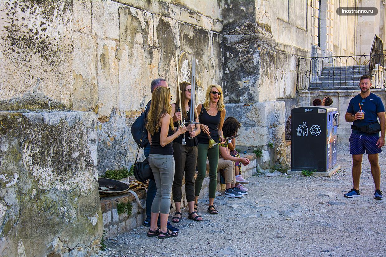 Уличные артисты в Дубровнике