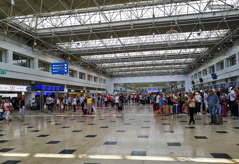 Аэропорт Анталии терминал