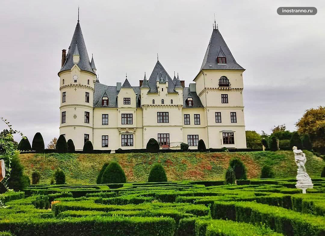 Замок Андраши на маршруте по Венгрии