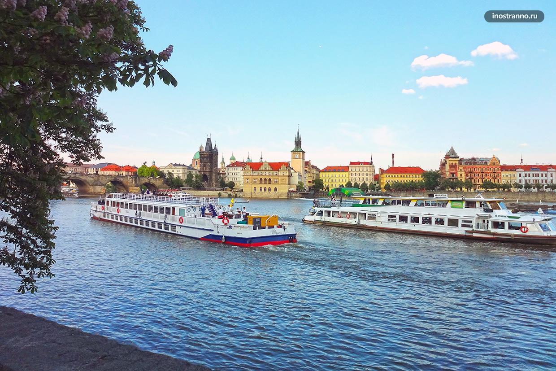 Ужин в Праге на кораблике